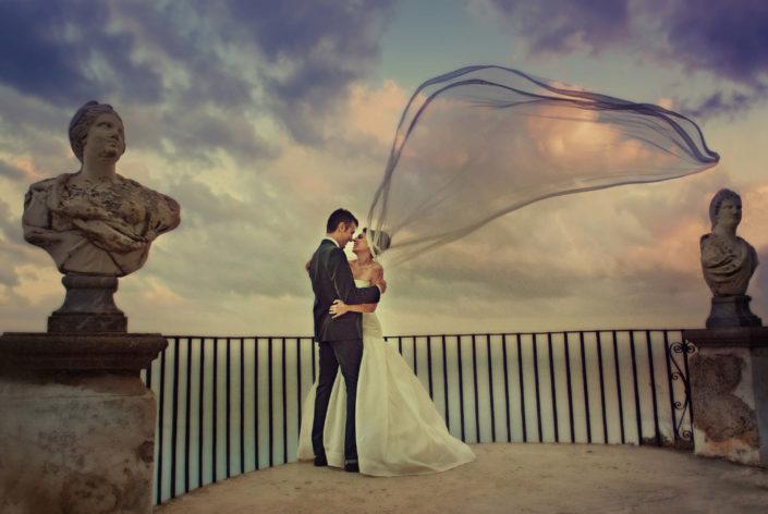 sposa con velo Villa Cimbrone foto Angelo Oliva